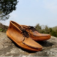 Men's Tan Distressed Batwing With Canoe Sole
