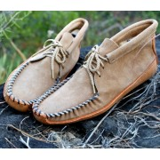 Women's Suede Batwing With Canoe Sole