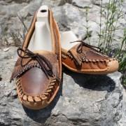 Women's Tan Distressed Fringe Toe W / Canoe Sole